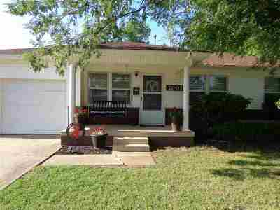 Single Family Home For Sale: 2007 W Walnut