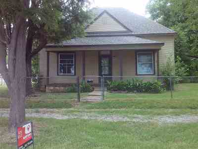 Marlow Single Family Home Under Contract: 402 S 9th St