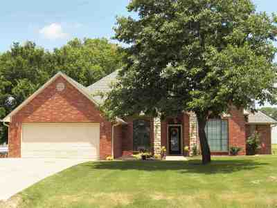 Comanche, Velma, Waurika,  Hastings Single Family Home For Sale: 203 Ridgecrest Dr