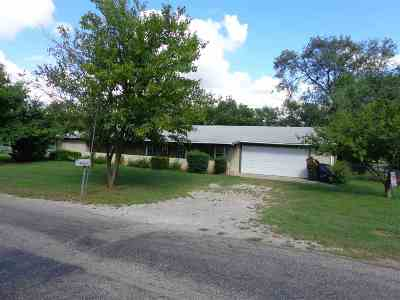 Comanche Single Family Home For Sale: 312 S 8th