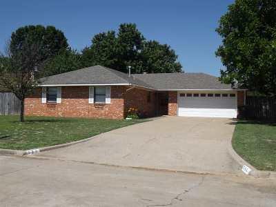 Duncan Single Family Home For Sale: 725 Sunnylane St