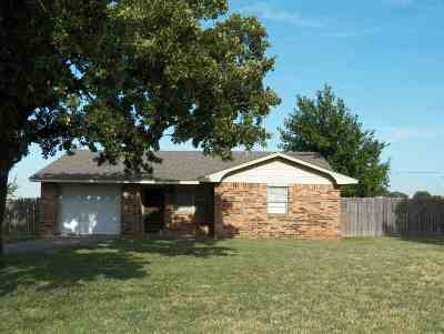 Comanche Single Family Home For Sale: 180205 Larue Dr.