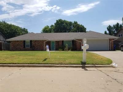 Single Family Home For Sale: 2204 Twin Dr.