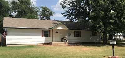 Marlow, Rush Springs Single Family Home For Sale: 702 N 4th Street