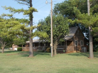 Single Family Home For Sale: 406 4th St