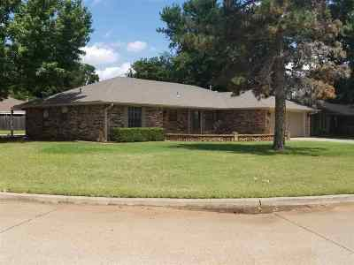 Duncan OK Single Family Home For Sale: $170,000