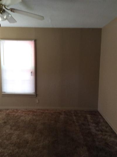 Rental For Rent: 313 W Cedar Ave.