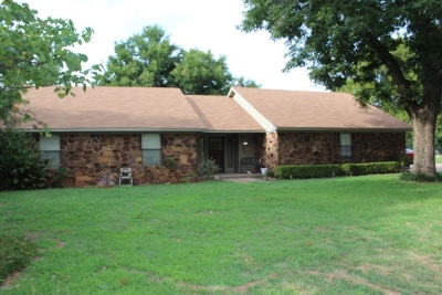 Marlow OK Single Family Home For Sale: $140,000