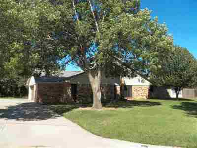 Single Family Home For Sale: 3526 Jacquelyn Ter
