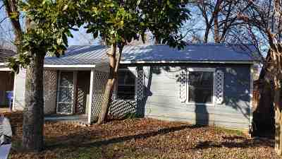 Marlow Single Family Home Active-Take Backups: 107 W Choctaw