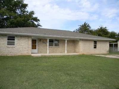 Comanche Single Family Home For Sale: 503 S 10th