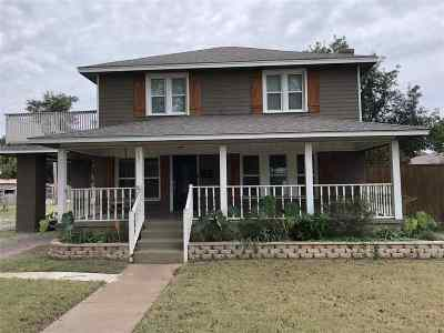 Single Family Home Sold: 407 N 5th