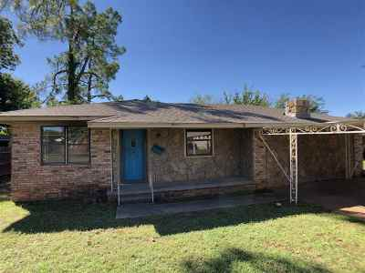Marlow, Rush Springs Single Family Home Active-Take Backups: 912 W Choctaw
