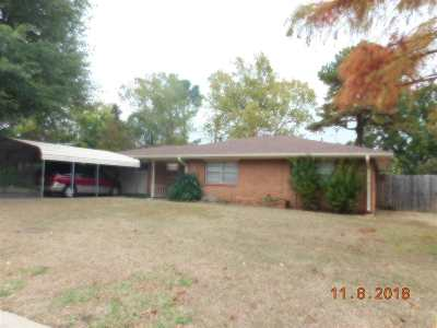 Duncan Single Family Home Under Contract: 2207 W Redbud