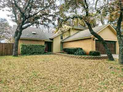 Single Family Home For Sale: 3505 Kristin Ln