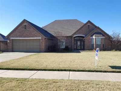Marlow, Rush Springs Single Family Home For Sale: 921 Silverwood