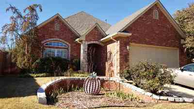 Single Family Home For Sale: 3711 Oak Leaf Court