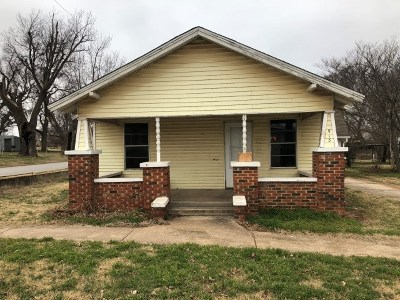 Rush Springs Single Family Home For Sale: 513 S Rush