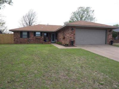 Duncan Single Family Home Under Contract: 717 Smith Road