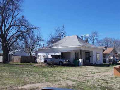 Single Family Home For Sale: 107 E G Ave