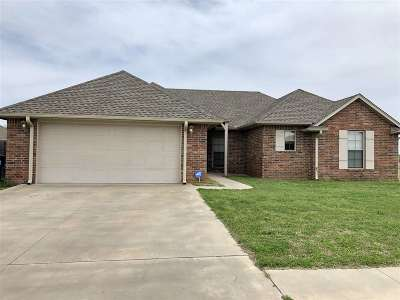 Duncan Single Family Home For Sale: 308 Amanda