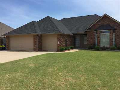 Duncan Single Family Home For Sale: 2302 Meadowview Dr