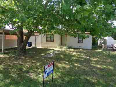 Comanche Single Family Home For Sale: 715 Wilson