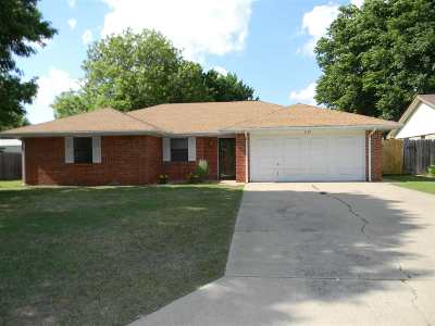 Duncan Single Family Home For Sale: 2125 NW Cardinal Dr