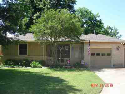 Single Family Home For Sale: 1708 W Birch
