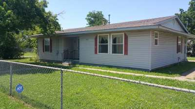 Comanche Single Family Home For Sale: 809 Arkansas