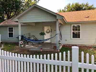 Marlow Single Family Home For Sale: 808 W McNeese