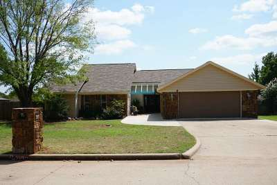 Duncan Single Family Home For Sale: 2102 Crossgate