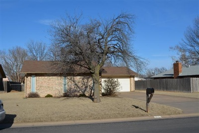 Single Family Home Sold: 213 S Lamesa
