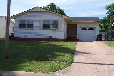 Single Family Home For Sale: 1721 E Ash