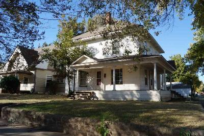 Single Family Home For Sale: 1204 W Oklahoma