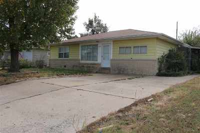 Single Family Home Sold: 725 Magnolia