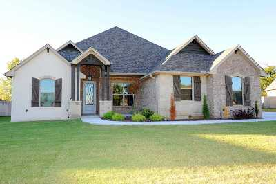 Single Family Home For Sale: 2529 Belle Crossing Dr
