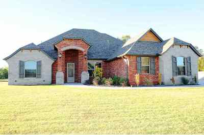 Single Family Home For Sale: 2513 Belle Crossing Dr