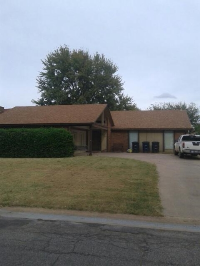 Single Family Home For Sale: 213 Rosetree Ln