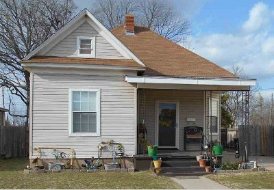 Single Family Home For Sale: 418 W Park