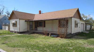 Single Family Home For Sale: 404 W Driskell