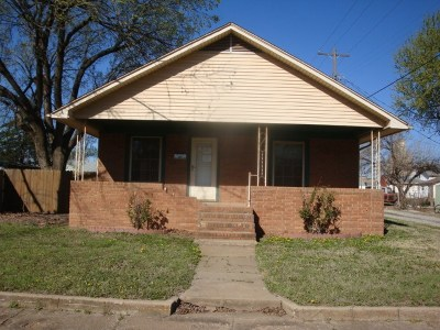 Single Family Home For Sale: 116 S Cheyenne