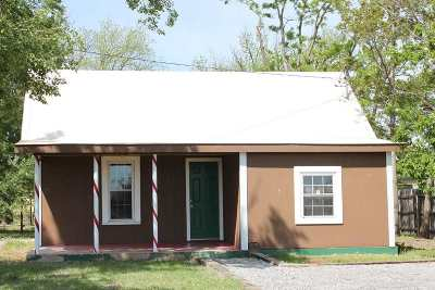 Single Family Home For Sale: 1211 E Ash St