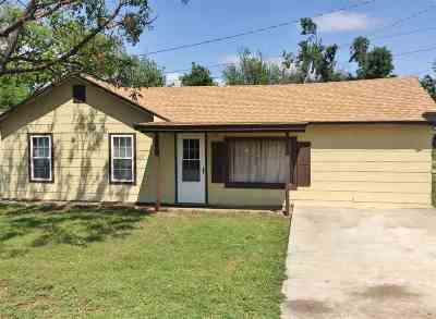 Single Family Home For Sale: 610 15th St