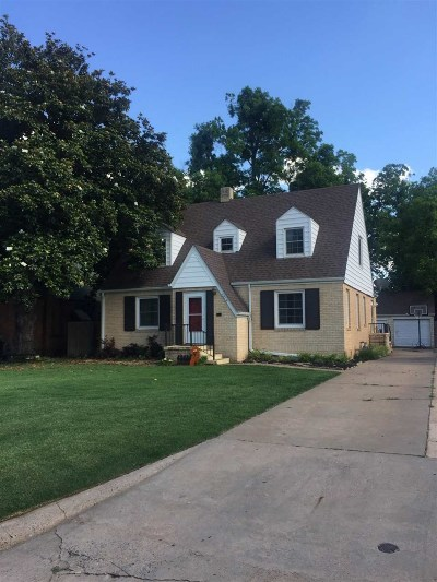 Single Family Home For Sale: 1315 Indian Dr