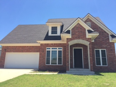 Single Family Home For Sale: 2813 Apache