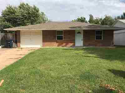 Single Family Home For Sale: 609 N Harding