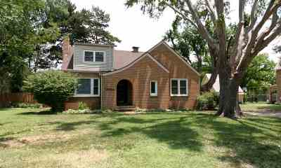 Single Family Home For Sale: 1424 Hillcrest Dr