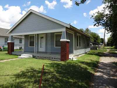 Single Family Home For Sale: 515 N 7th