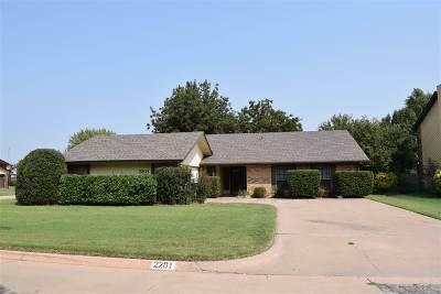 Single Family Home For Sale: 2201 Merrimac